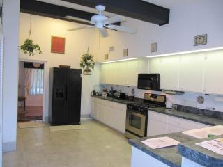 Adorable 'Cottage' minutes from the ocean, New Smyrna Beach