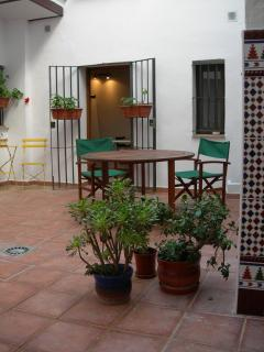 dining area central patio