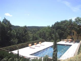 The Yellow House in rural Italy large private pool, Civitella d'Agliano