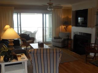 8/22nd reduced Luxury Oceanfront 4Bedrooms/4 Baths, Isle of Palms