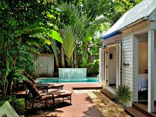 Villa Azul - Luxurious Home w/ Private Pool, Deck & Gorgeous Interior., Key West