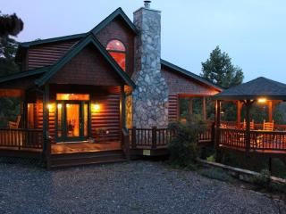 Stunning Views, 3 King Suites, Relax in Luxury, Blue Ridge