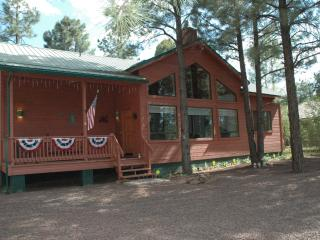 Cozy modern cabin in Pinetop's Az - horses allowed, Pinetop-Lakeside