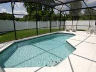 Luxury 4 Bed Villa with Private Heated Pool, Kissimmee