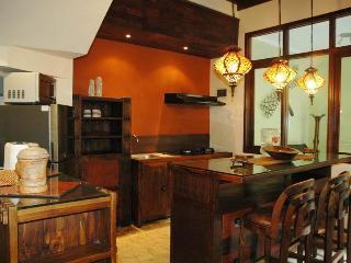 KUTA - Spacious 4 Bedroom Villa - KUTA - dec, Kuta