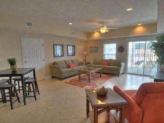 4BR/3BA Luxury Condo - Great Location - DISC RATES