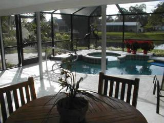 Fountainview -3br/2ba Pool/spa home near the beach, Napels