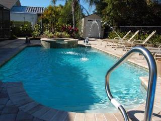 Gardenview- 4 br/3ba private pool/spa  near beach