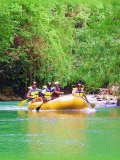 9- FAMILY FUN INTERDOCTION TO WHITE WATER RAFTING-NATURE'S BEST (1.15 MIN.  TO ATTRACTION)
