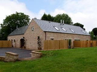 BUNBURY, family friendly, luxury holiday cottage, with a garden in Farley Near Alton Towers, Ref 4301