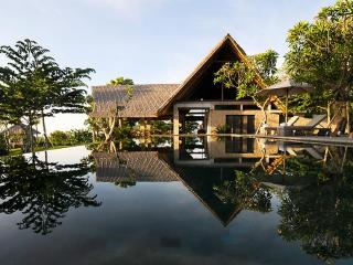 Luxury oceanview villas with large gardens
