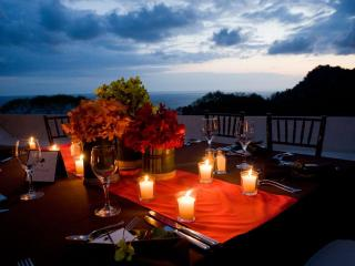 Villa Punto de Vista - Unique Celebrations - Under the stars Dinning !