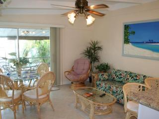 Casa Mar Azul 2 - Cabana Club, Pool & Inch Beach, Key Colony Beach