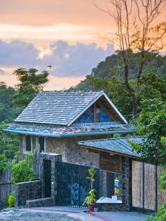 Entry Guest Cottage - Spectacular Manuel Antonio Sunsets!
