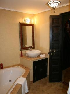 Bathroom of the Atlas Suite