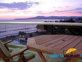 Dreams Villa Magna - Oceanfront Condo