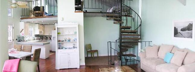 Charming Spiral Staircase from Ground to 3rd Floor/Loft