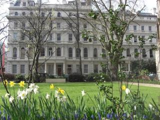 Hyde Park- Splendid 2 Bedroom 2 Bathroom Apartment, London