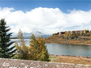 ON LAKE DILLON WITH A VIEW, 1 BDRM EAST BAY TWN HM, Dillon