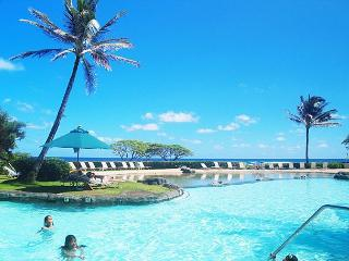 Kauai Beach Resort 2544: Affordable oceanfront luxury, resort amenities!