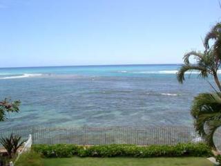 OCEANFRONT Gem 3BR/3.5BA on Diamond Head with A/C, Honolulu
