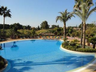 Free Broadband WiFi, Fabulous sea views, 5 Pools, Marbella