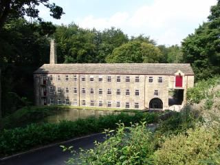 Hewenden Mill Cottages - Luxury 1 bed apartment, Bradford