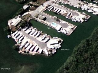 PIRATE'S COVE - Ocean Front W/ 30Ft Dock Key Largo