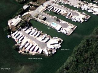 PELICAN HARBOUR -Ocean Front, Dock & Private Beach, Key Largo