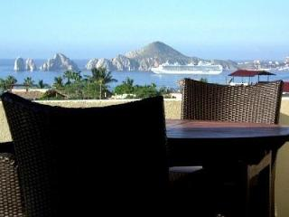 Million Dollar Ocean Views, El Arco! Modern House, IDEAL Family Getaway in Cabo