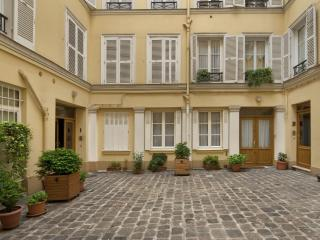Pleasurable Luxury Parisian Vacation Rental