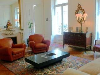 Apartment Piano Paris apartment to rent, flat to let in Paris, 6th arrondissemen