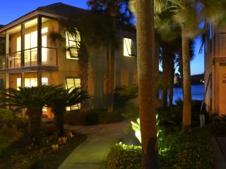 Villa 50 Steps to Beach! Views!Rent as 2 or 4 BDRM, Destin
