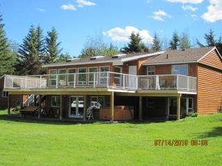 Cariboo Vacation Home, 100 Mile House