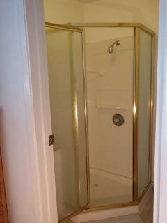 Shower room attached to bedroom 3