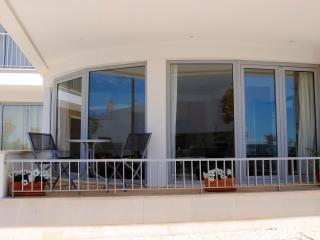 Fuzeta Superb 2 Bedroom Apartment with Sea View