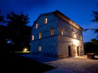 Casa Lucciola - Luxury farmhouse with pool, Mogliano
