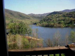 Gorgeous Views off your deck over looking Watauga lake (known as one of the cleanest lakes in USA)