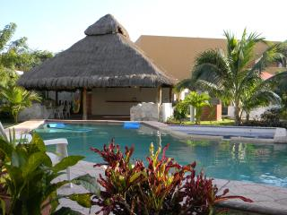 lush tropical grounds with large pool & jacuzzi
