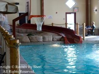 Resort Cottage Skiing Golf Hot Tub & Indoor pool