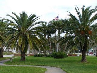 Lakefront Villa Plantation, Venice FL