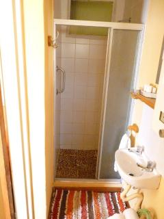 Shower, room 5