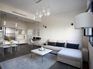 Chic & Stylish Apt in heart of TLV