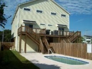 126A Woodland Dr. back of rental beach house, sleeps 16, pool