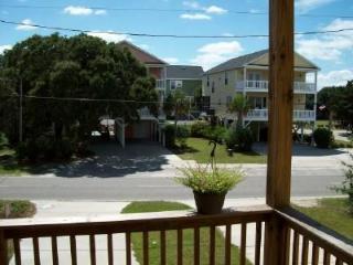 """126A Woodland Dr., GCB """"Ocean10"""" 4BR beach 2-story raised house, pool, sleeps 16"""