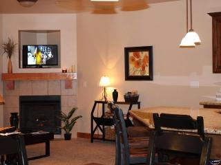 Living Room Area with Flat Screen TV (400 Satellite Ch.) and Stereo