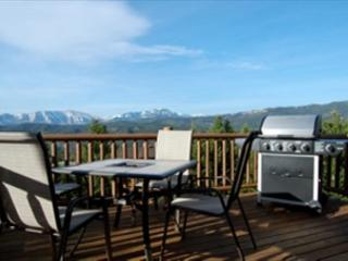 Outdoor dining with a spectacular view