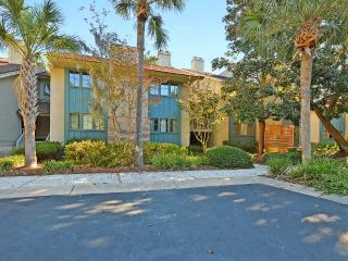 3 BR 3 BA Villa Near Beach - Lagoon and Golf Views, Kiawah Island