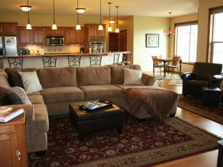 Top Reviewed! Best Location! Beautiful Clean Home!, Columbia Falls