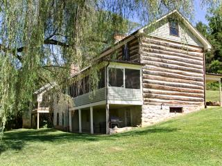 Willow Haven - 1800's Log Cabin